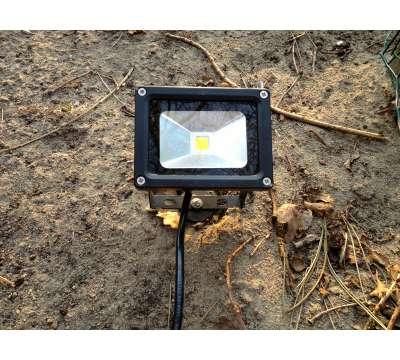 10 Watt LED Baustrahler mit Erdspieß/Boden Stecke